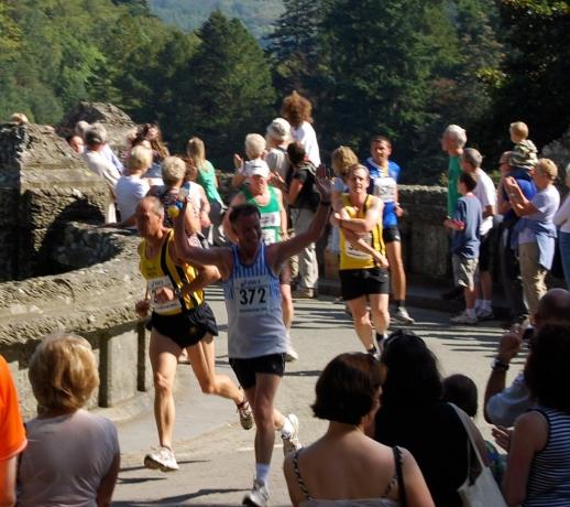 Coming off the dam bridge at 1.5mls - 04